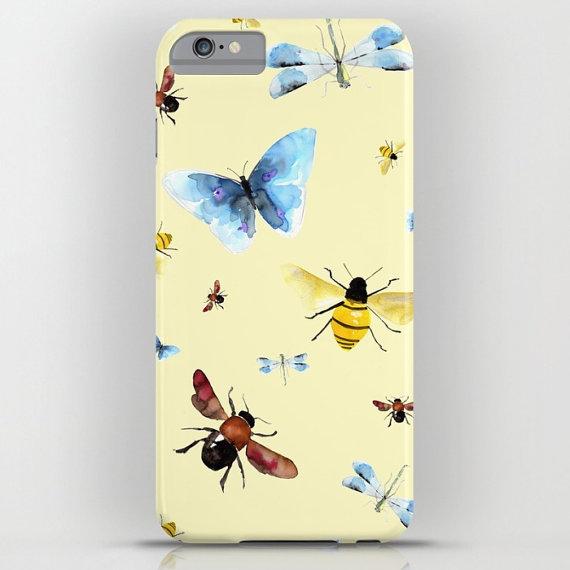 funda de móvil con ilustración de mariposas de Marta Carreras