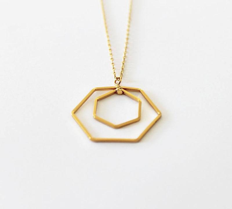 collar hexagono