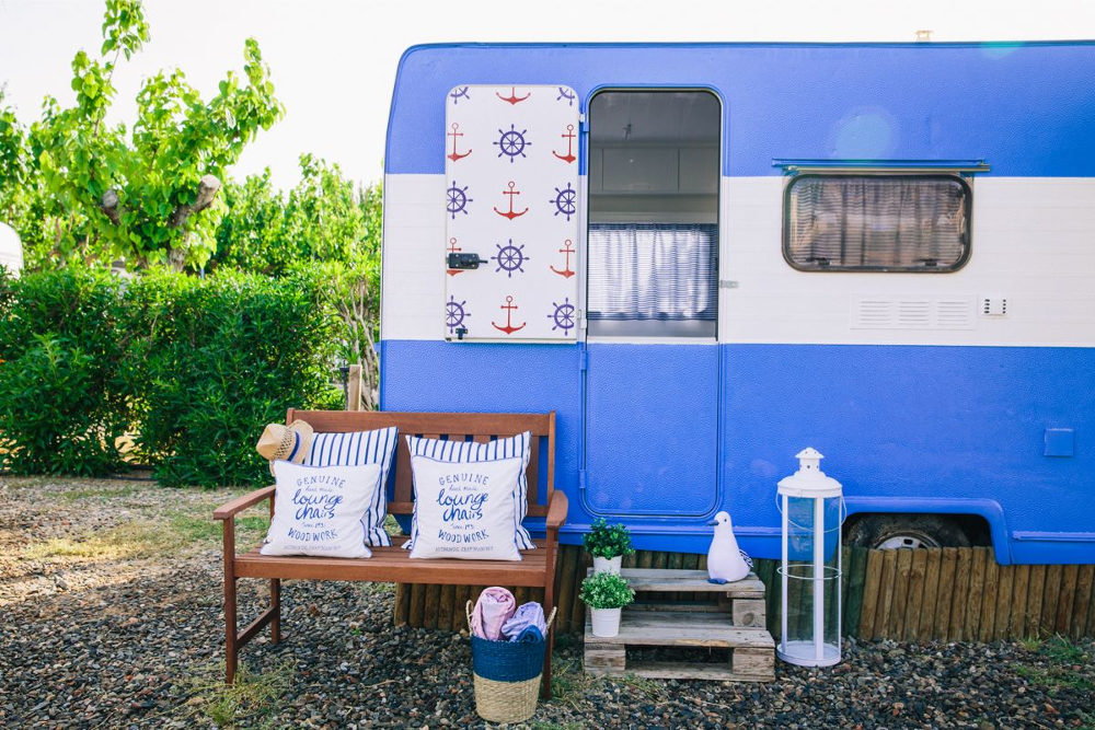 caravana-retro-azul-ancla-2