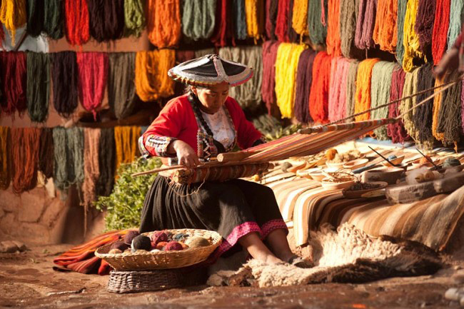 tejedora-alfombras-etnicas-cuzco